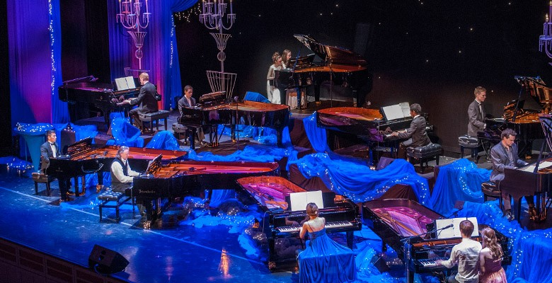 Ten Grands photo of stage