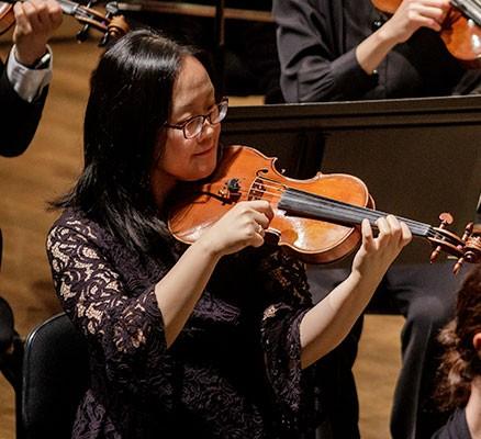 Oregon Symphony   Schubert's Unfinished Symphony (photo of strings section)